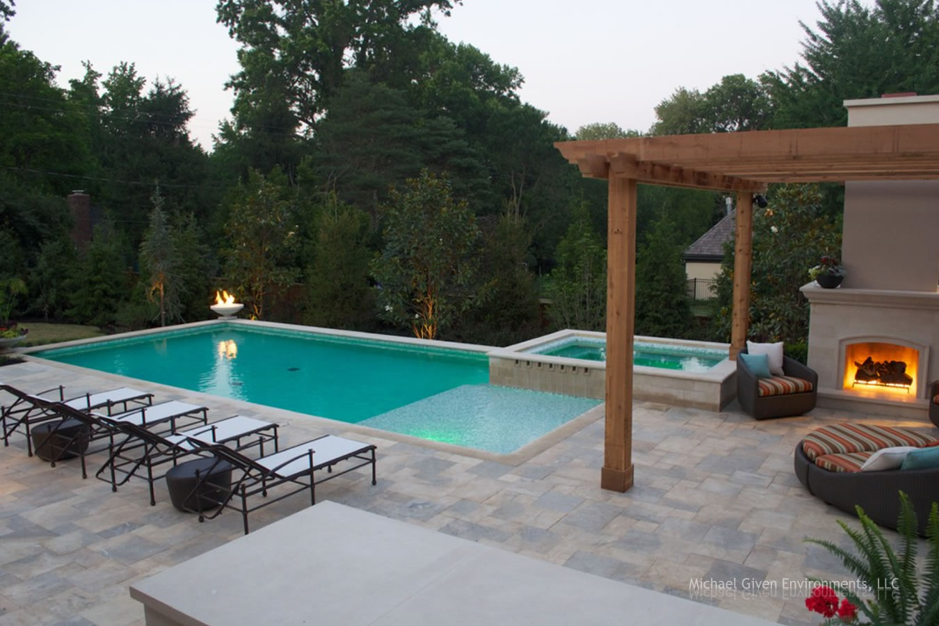 Pool & Outdoor Living Environment